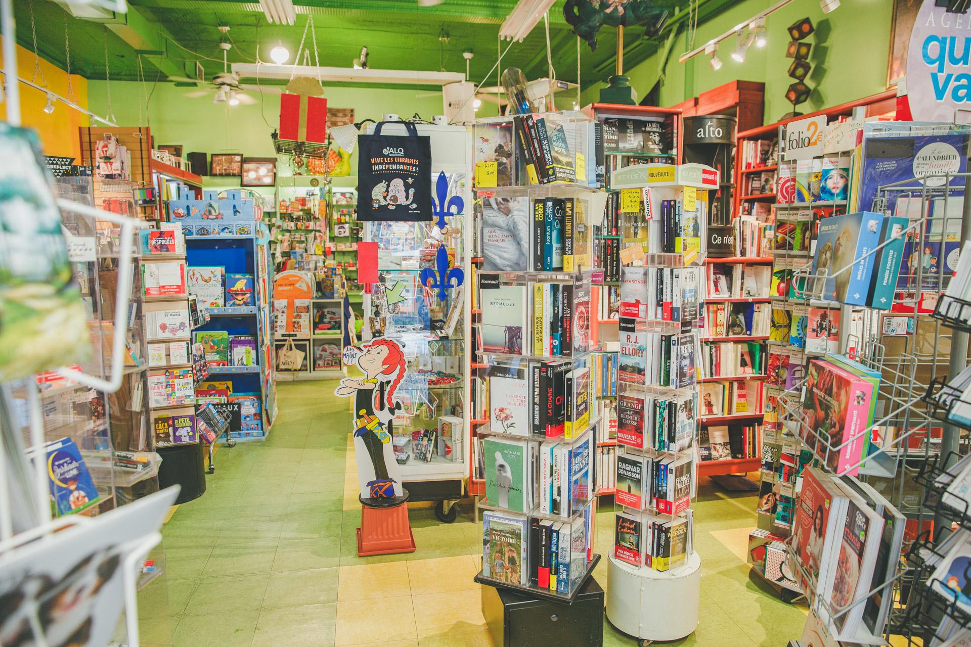 Librairie Limasson in Montréal: Accueil et zone nouveautés