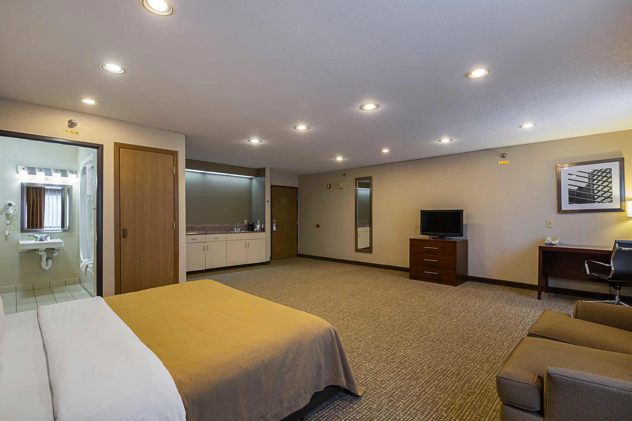 Hotels Near Waverly Iowa