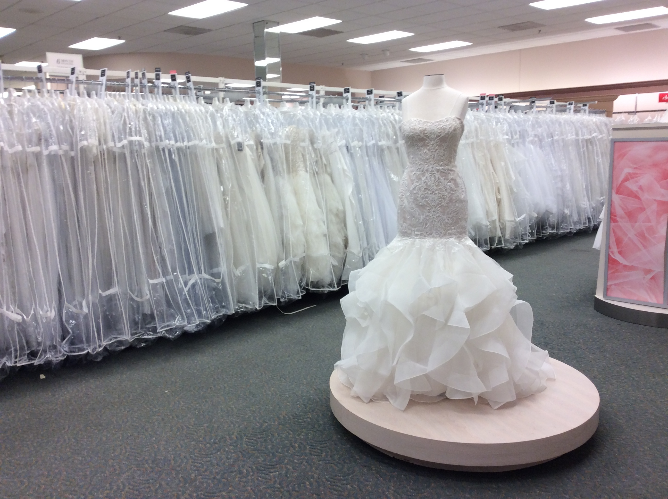 David 39 s bridal in chattanooga tn 37421 for Wedding dresses chattanooga tn