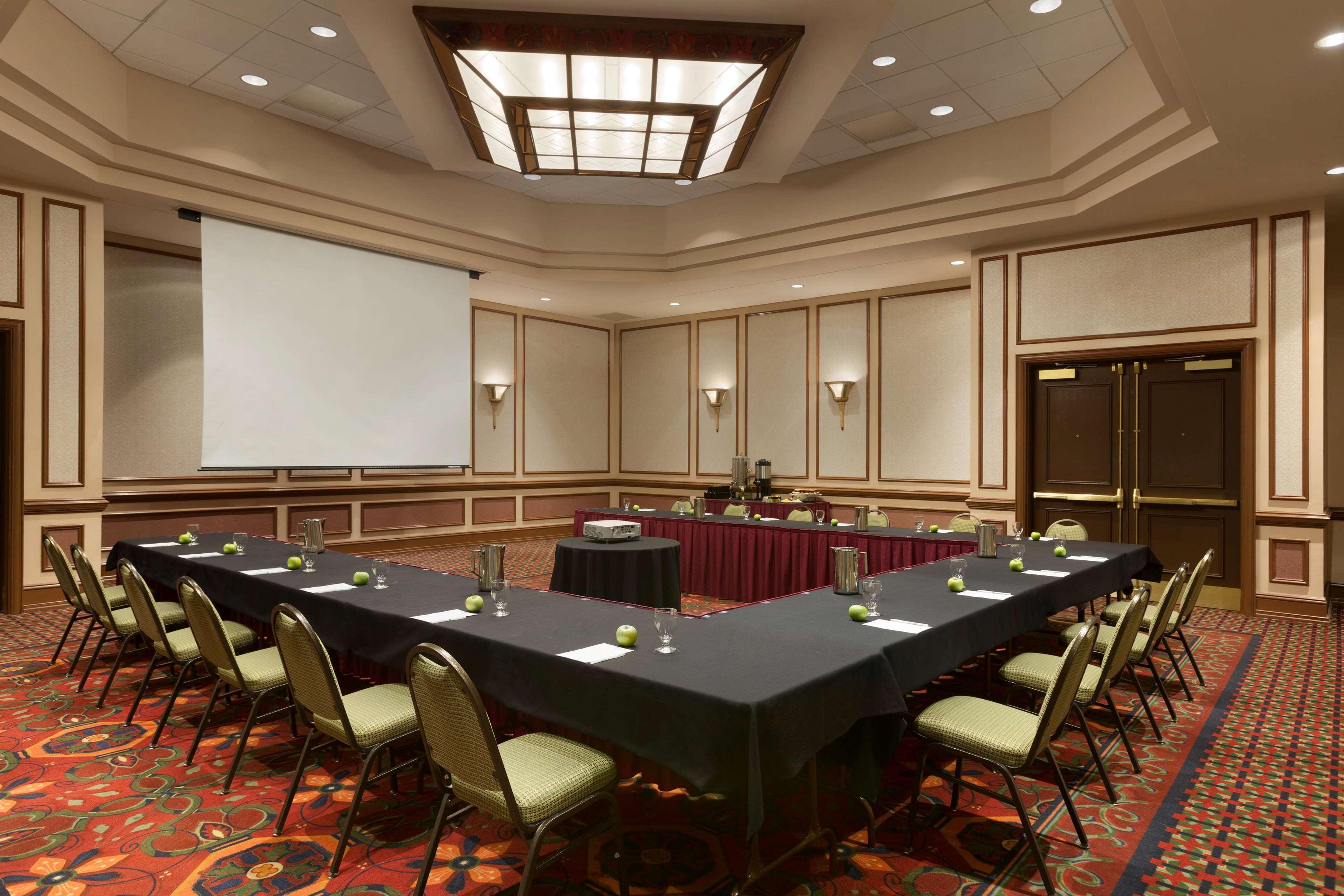 Embassy suites by hilton charleston charleston west for 712 salon charleston wv reviews