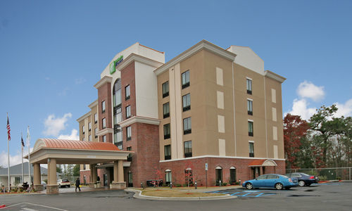Fred Anderson Nissan Fayetteville >> Holiday Inn Express & Suites Hope Mills-Fayetteville Arpt, Hope Mills North Carolina (NC ...