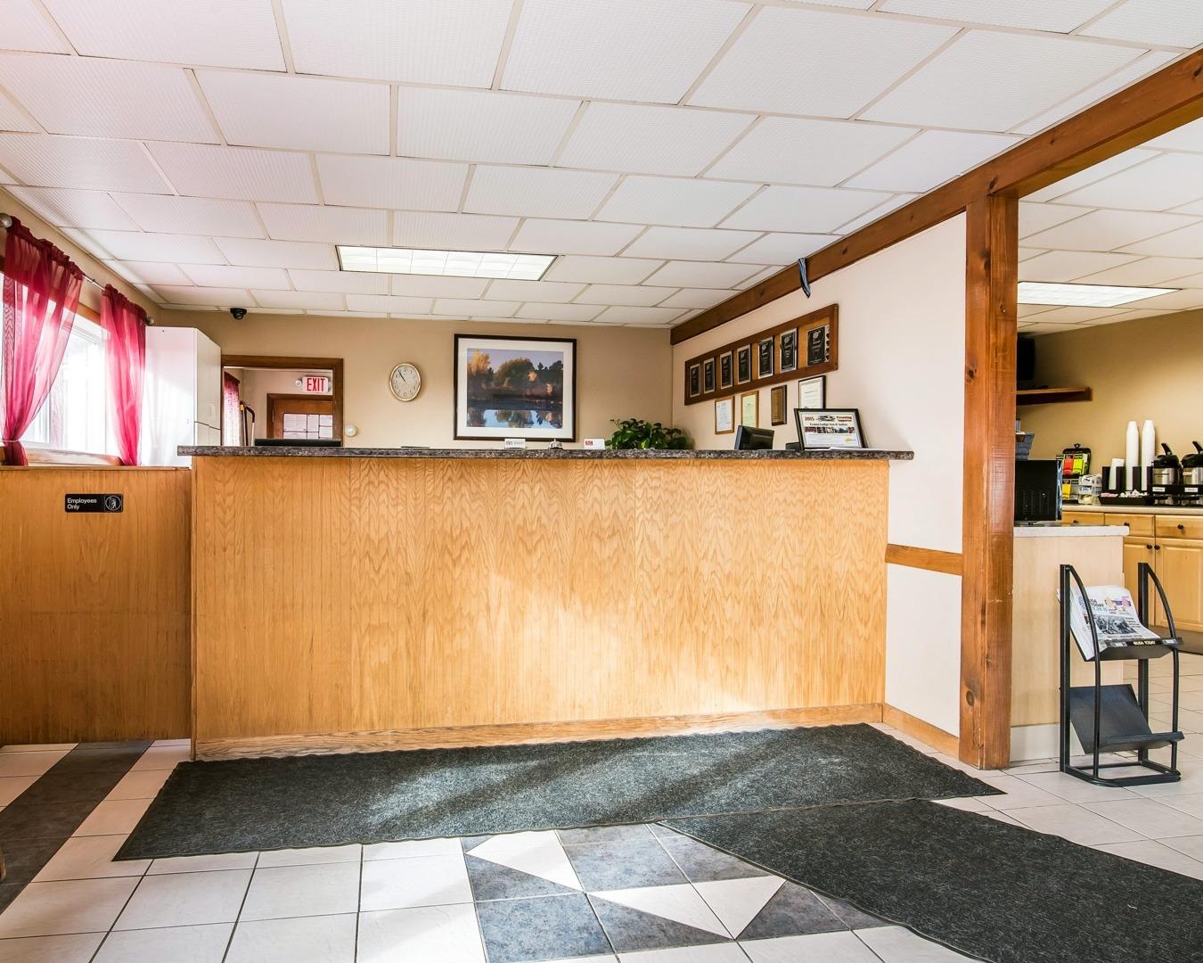 Econo Lodge Inn Amp Suites In Lincoln Nh 03251