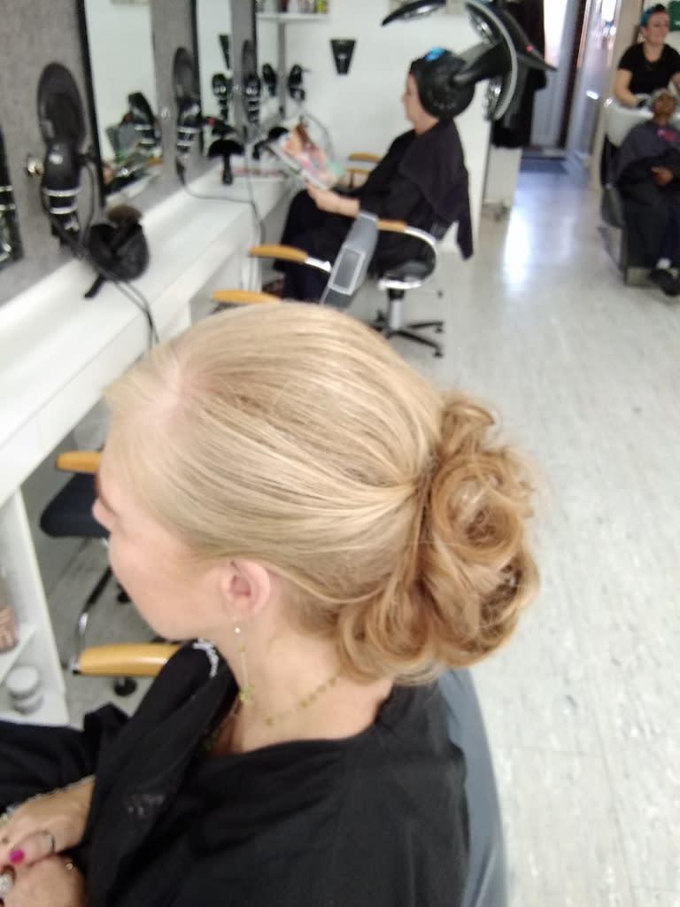 Giovanna Hair Stylists