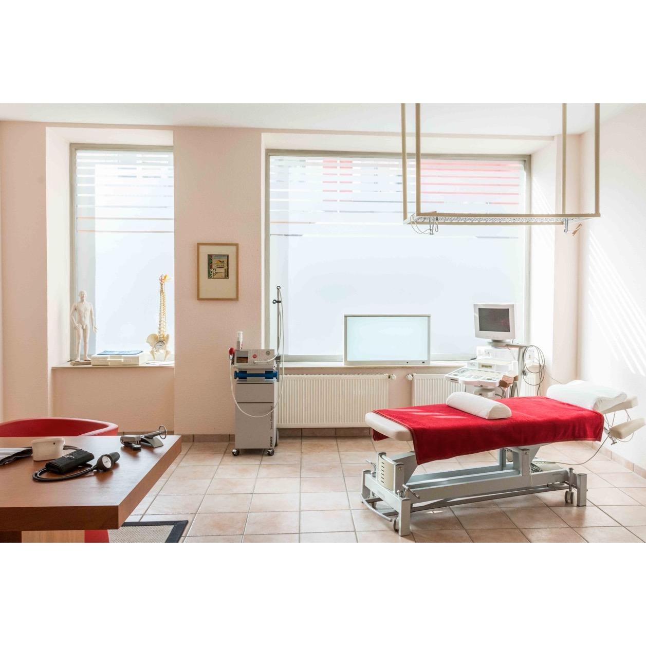 Bild zu Orthopädie Köln Privatarztpraxis Heike Lewgitzki in Köln