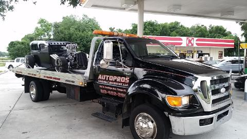 Autopros Towing & Recovery LLC delivers the safest, most reliable towing services in Tampa, FL. We are quickly building a reputation as the area's most professional and courteous towing company. With more than 20 years of experience behind us, you can rest assured that your vehicle will be in good shape thanks to our towing and roadside assistance services.
