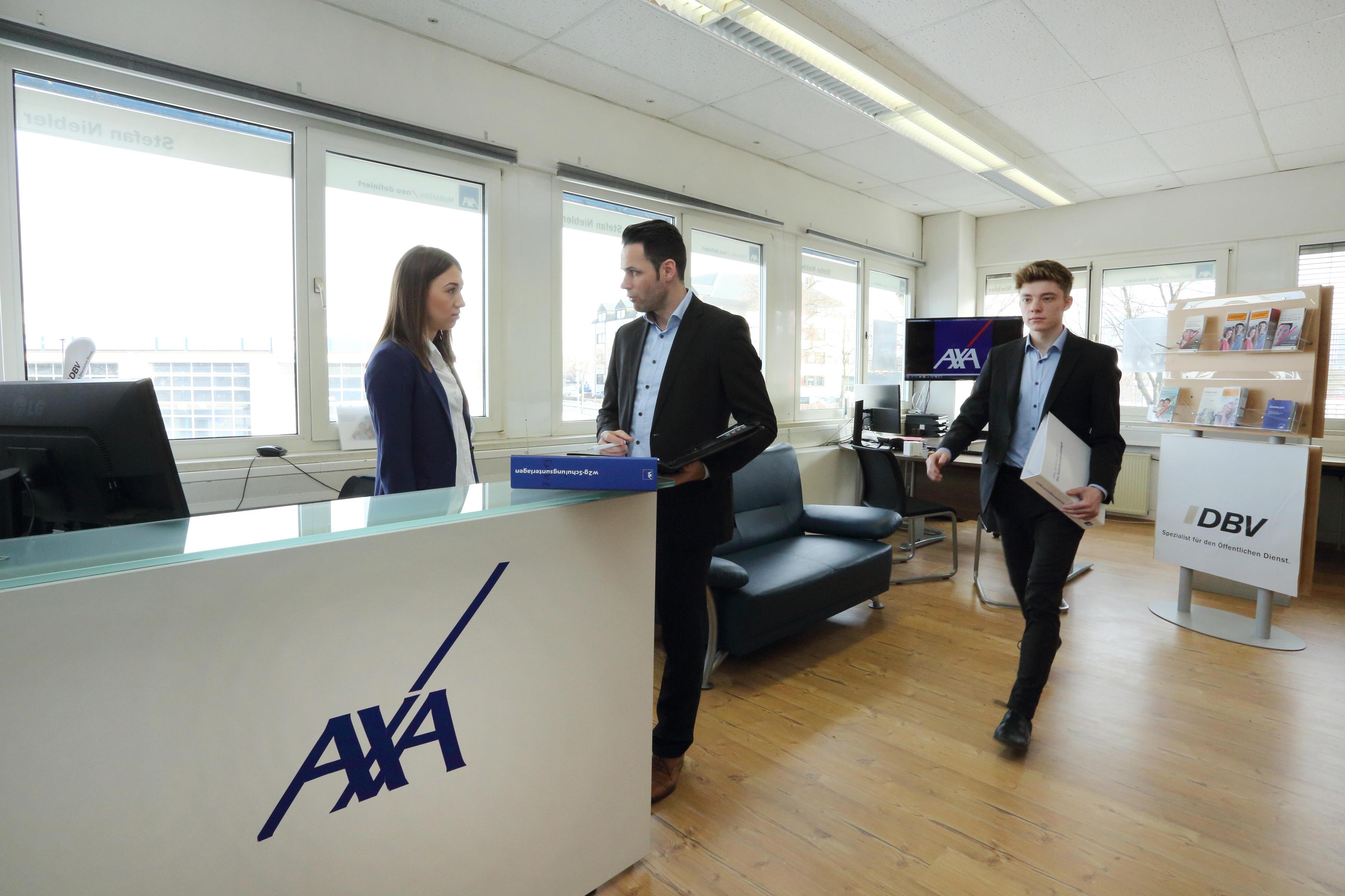 Rezeption in der AXA Agentur Niebler in Bayreuth