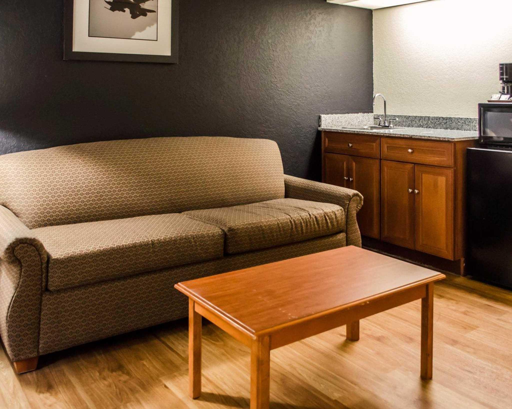 Quality Inn® Temecula Valley Wine Country   Temecula, CA Hotel