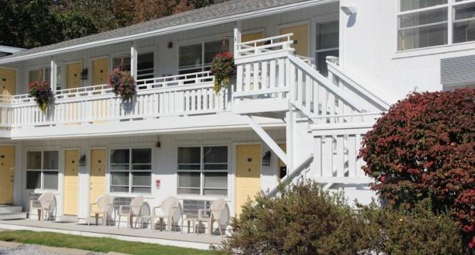 Schooner Bay Motor Inn Rockport Maine Me