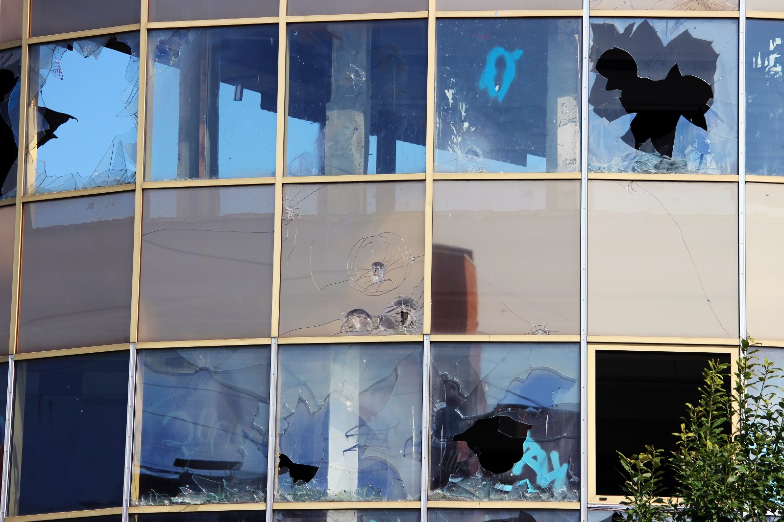 Demers Glass LLC Peoria (602)361-7157