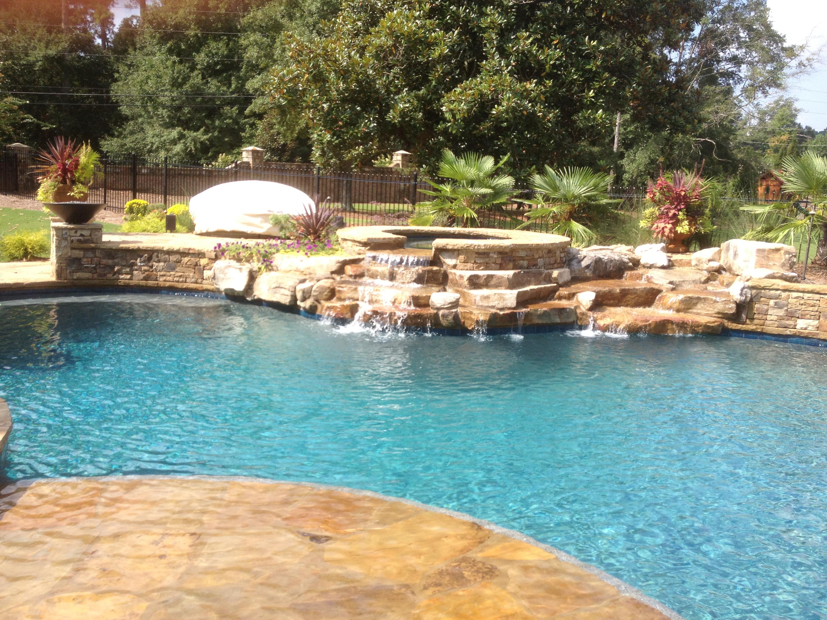 Dacula Pool And Spa