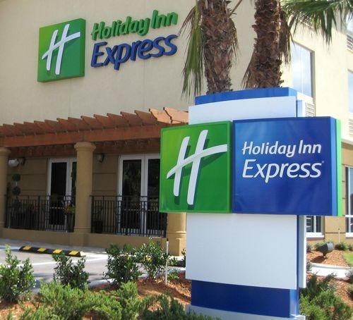Holiday Inn Express Jacksonville Beach, Jacksonville Beach ...