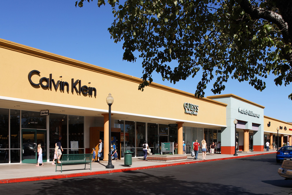 Just 45 minutes south from downtown San Jose you'll find the Gilroy Premium Outlets offering over outlet stores on high end store brands like Hugo Boss, Michael Kors and a Gap Outlet.