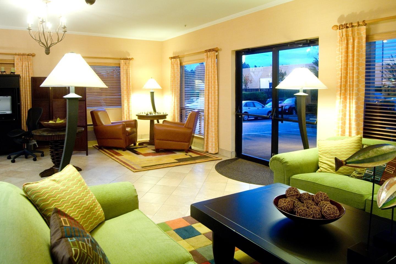 Phoenix Inn Suites - South Salem image 1