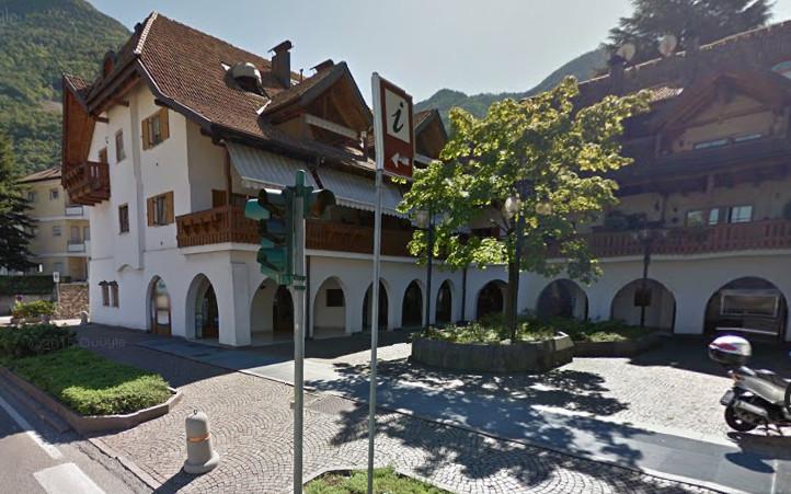 Agenzia immobiliare rossi immobiliari agenzie laives italia tel 0471953 - Agenzia immobiliare castelrotto ...