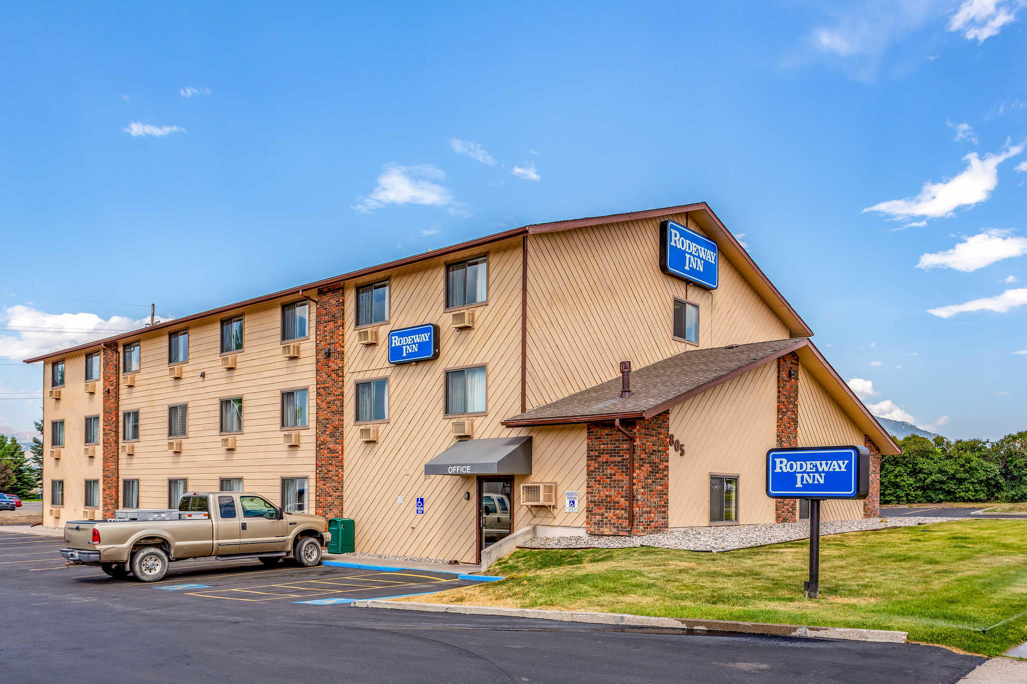 rodeway inn in bozeman mt hotels motels yellow pages. Black Bedroom Furniture Sets. Home Design Ideas