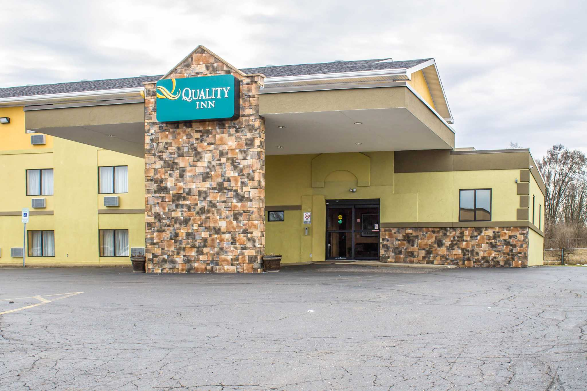 Quality Inn Hall Of Fame Canton Oh Www Choicehotels