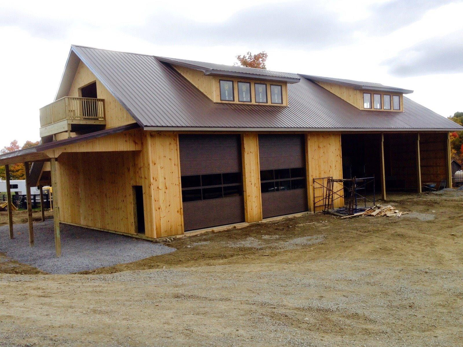 Horse barn builders llc in gettysburg pa 17325 for Horse barn homes