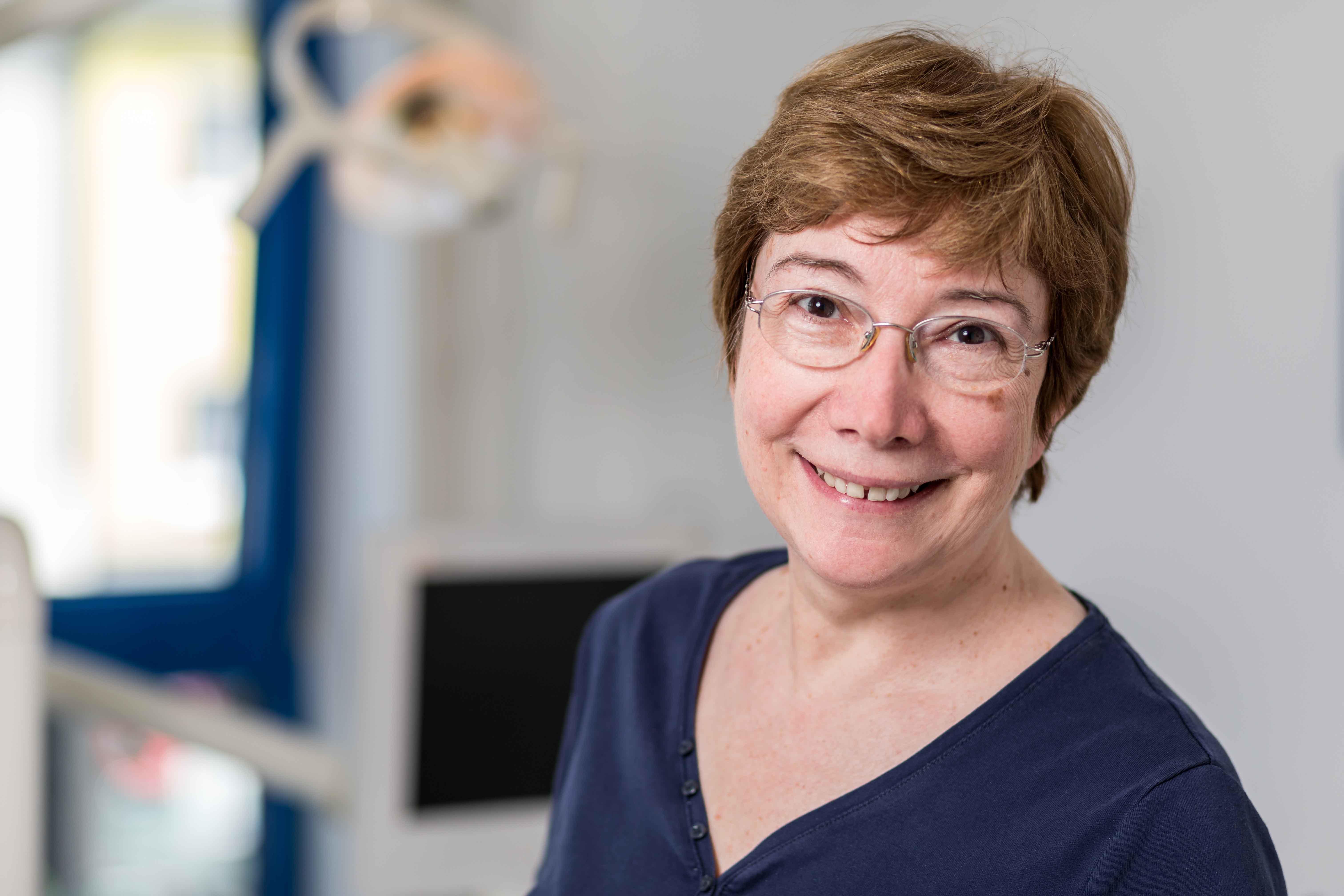 Zahnärztin Dr. Beroniade Köln