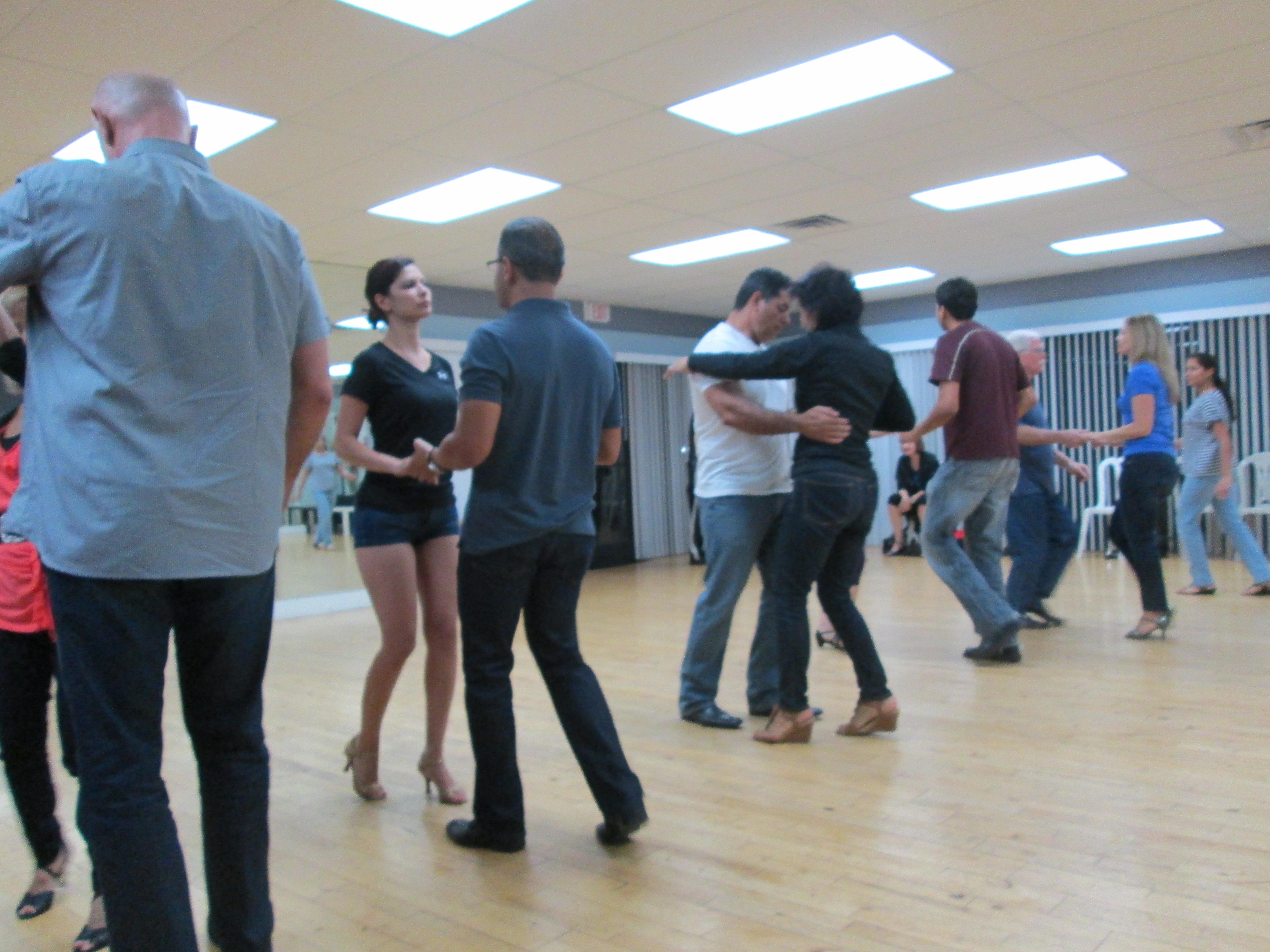 Salsa And Argentine Tango Dance Lessons