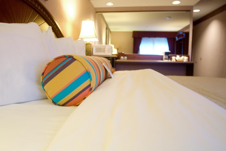 Phoenix Inn Suites - South Salem image 6