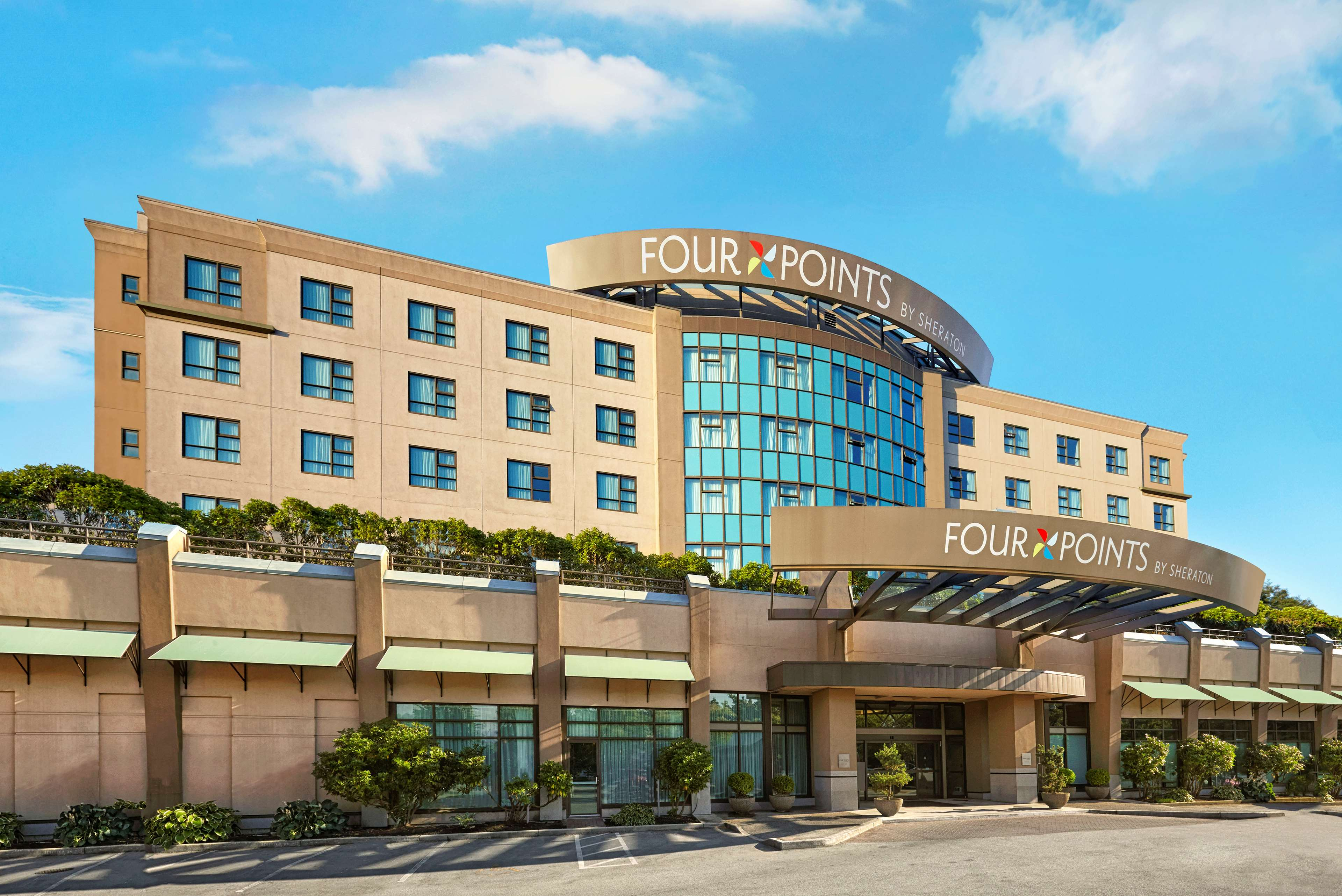 Hotel in BC Richmond V6X 4A6 Four Points by Sheraton Vancouver Airport 8368 Alexandra Road  (604)214-0888