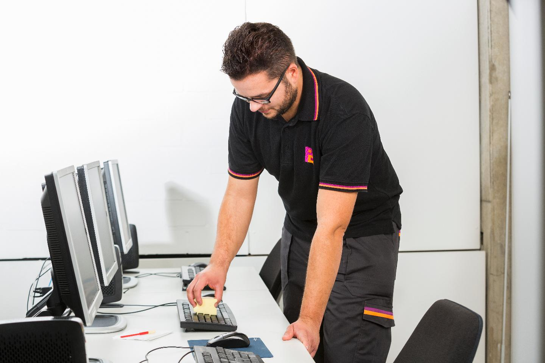 Piepenbrock Dienstleistungen GmbH & Co. KG | Gebäudereinigung | Facility Management  | Sicherheit