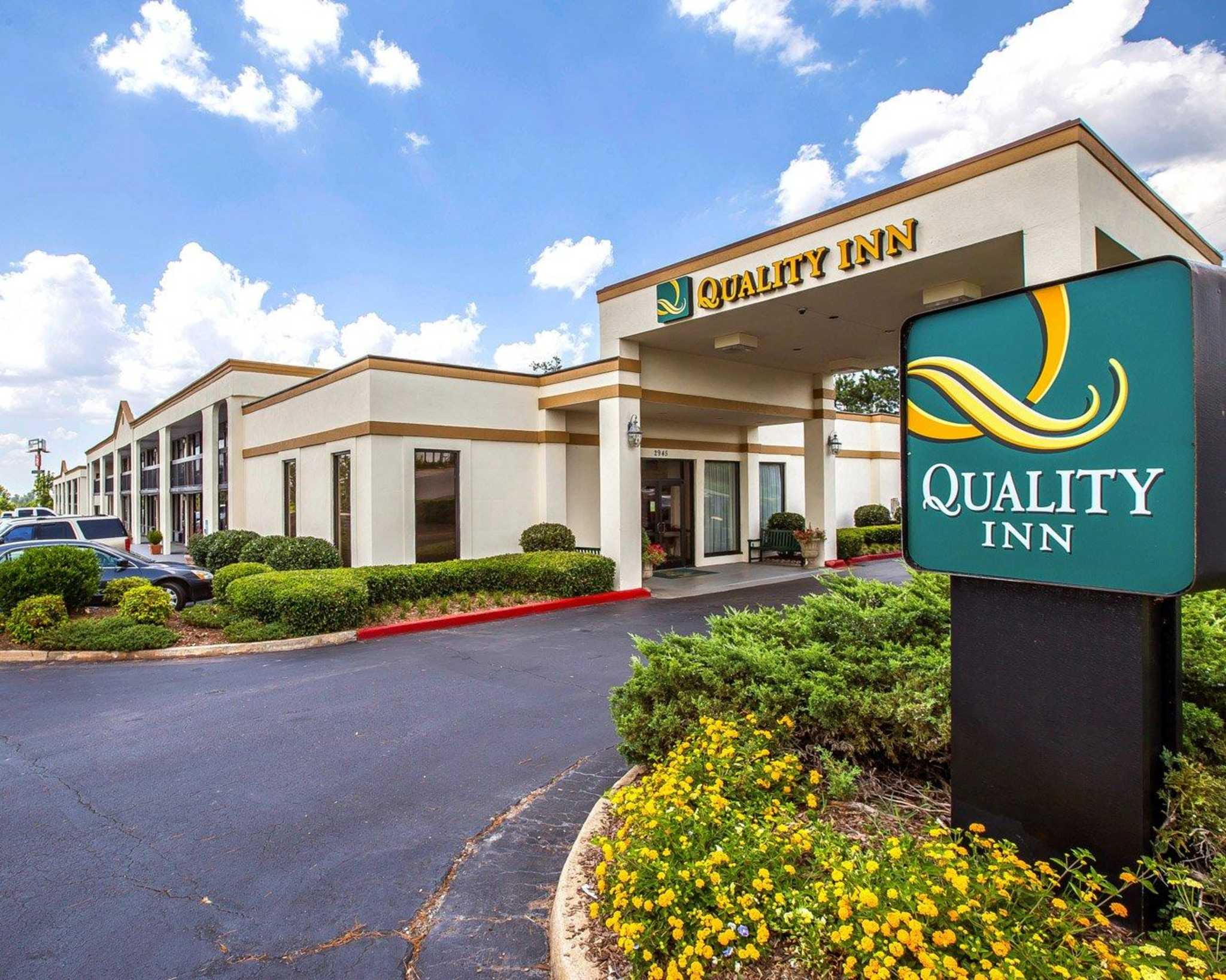 Quality inn suwanee georgia ga for Quality hotel