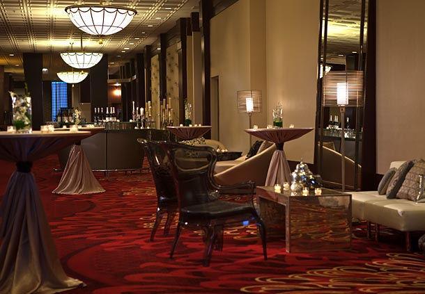 renaissance chicago north shore hotel in northbrook il. Black Bedroom Furniture Sets. Home Design Ideas