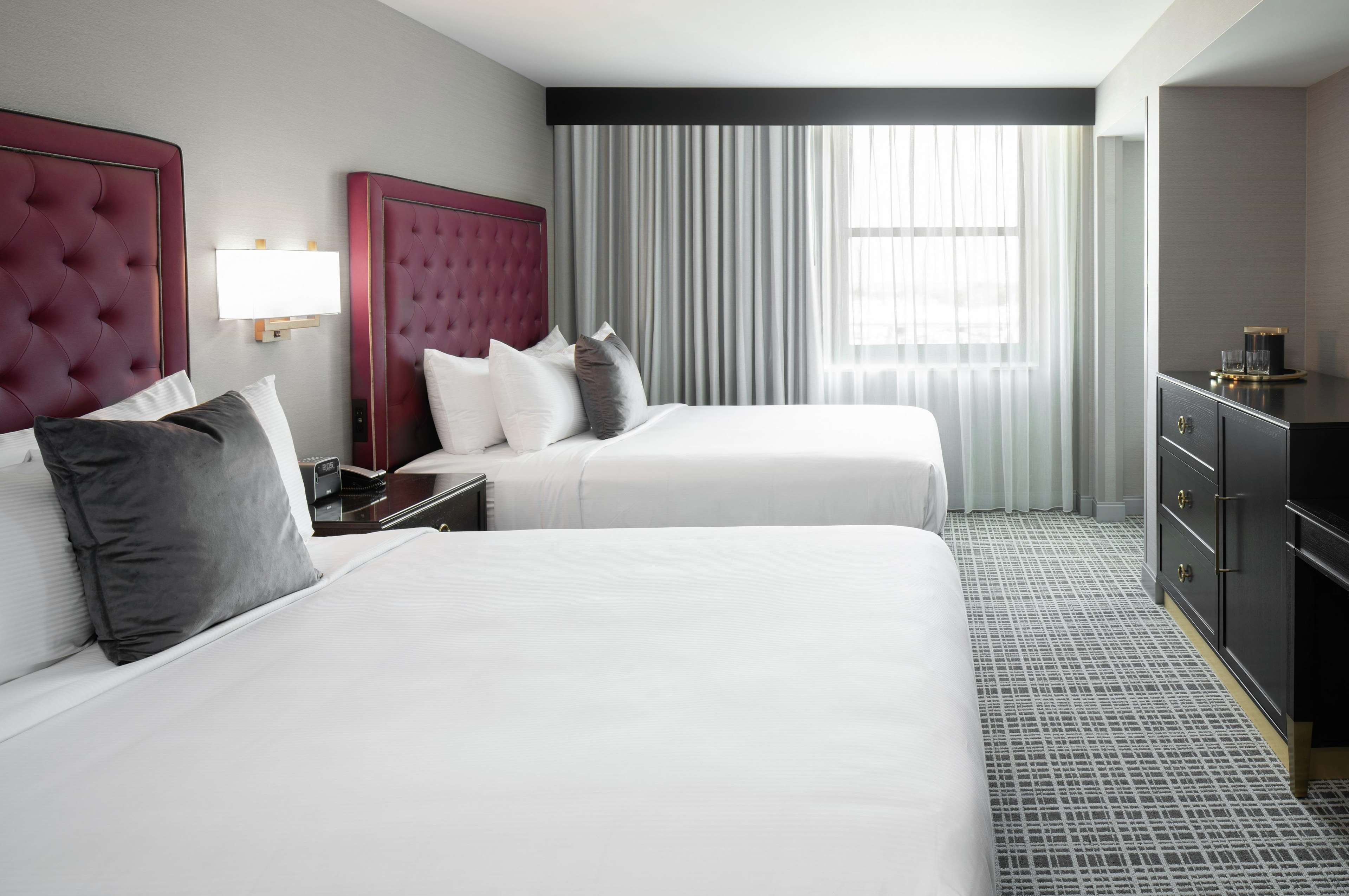 The Axis Hotel Moline, Tapestry Collection by Hilton