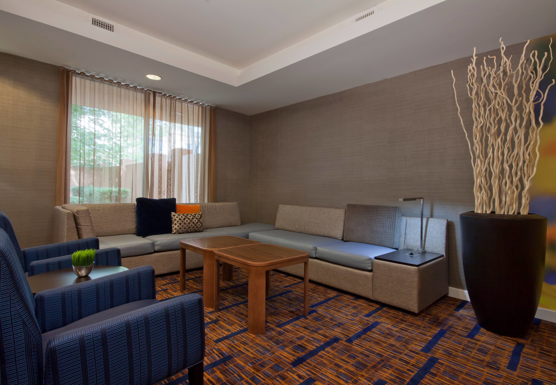 Holiday Inn Beaumont Plaza $99 ($̶1̶0̶9̶) - UPDATED 2018