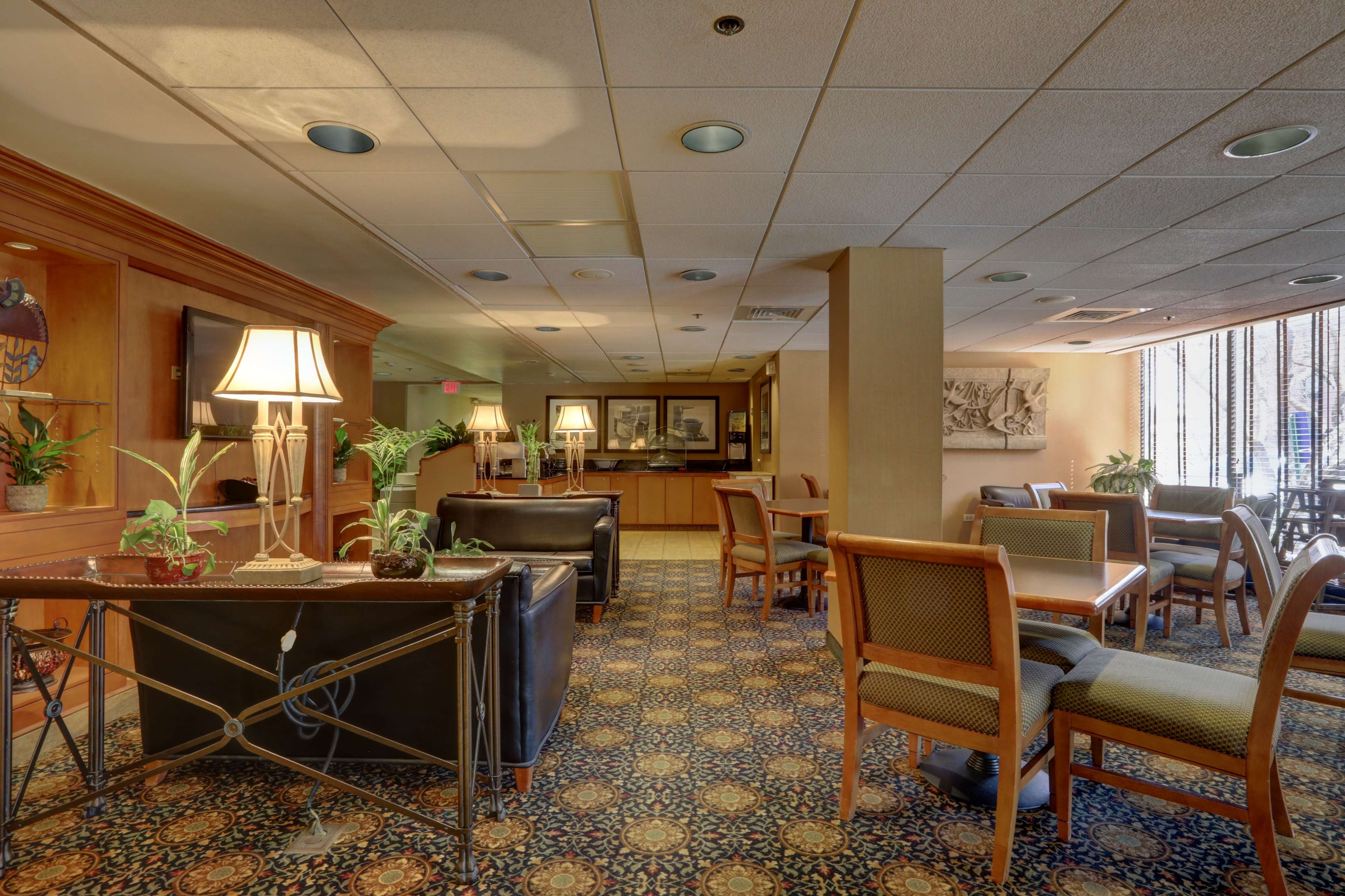 Surestay Plus Hotel By Best Western Chicago Lombard  Lombard Illinois  Il