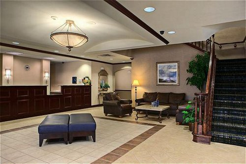 Holiday Inn Express & Suites Dfw-Grapevine image 0