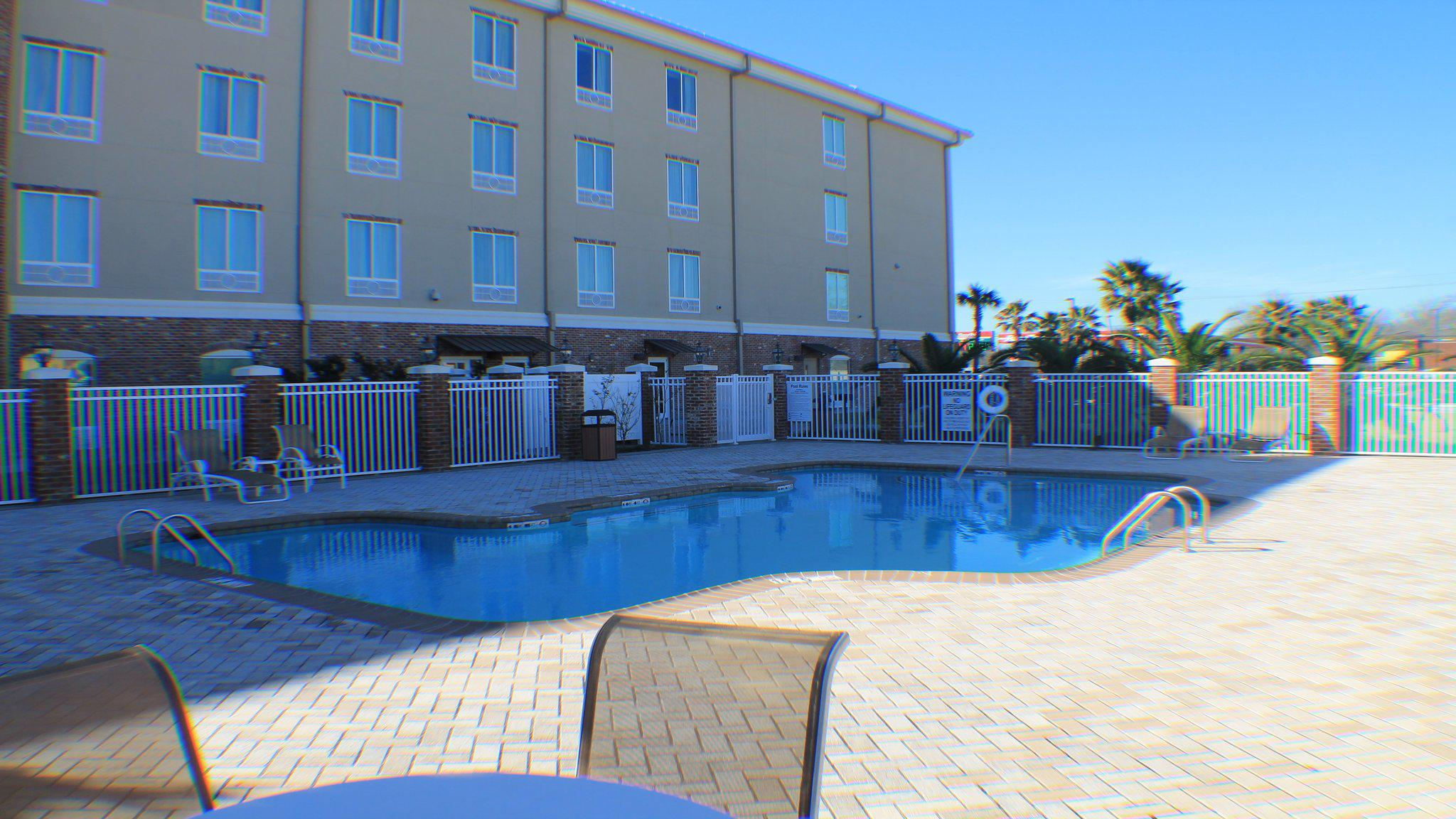 Holiday Inn Express & Suites Gonzales, an IHG Hotel