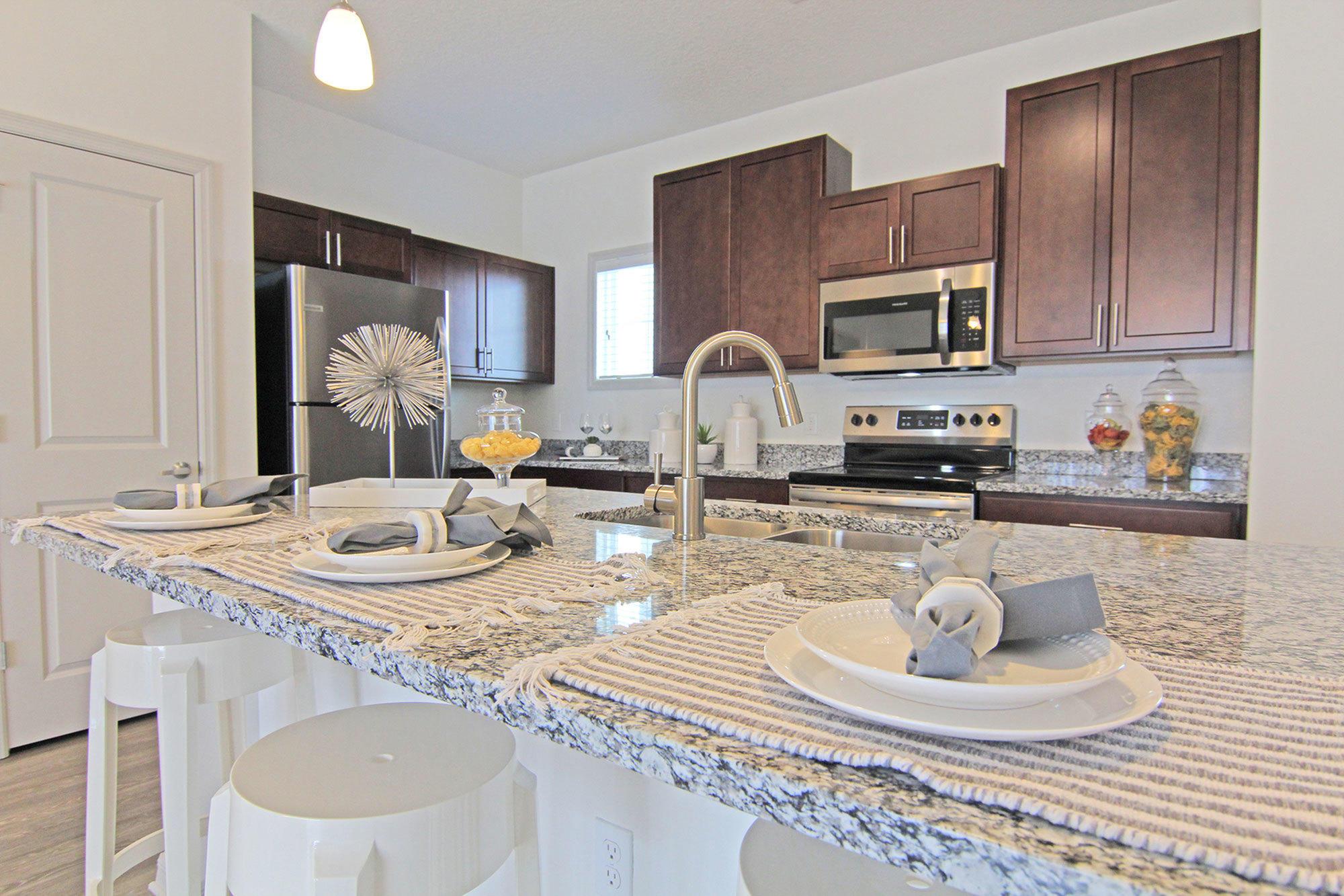 Champions Vue Apartments - Davenport, FL 33897 - (863)656-4646   ShowMeLocal.com