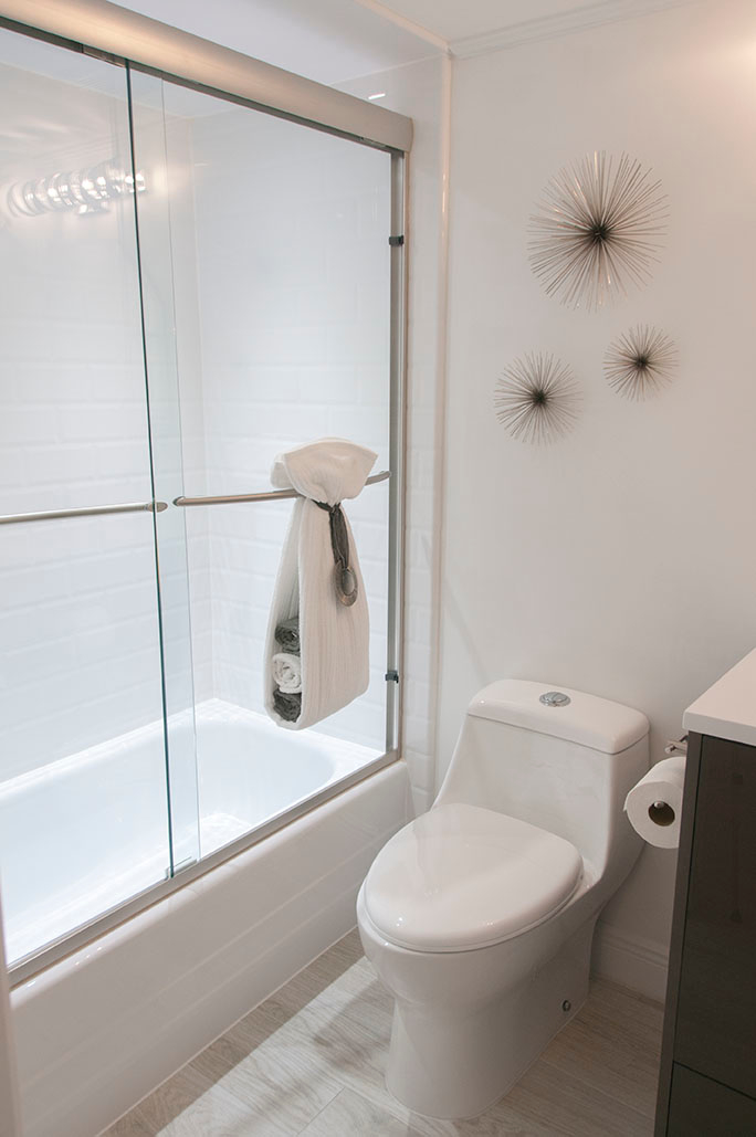 Superior bath and shower new orleans louisiana for Bathroom remodel evansville in