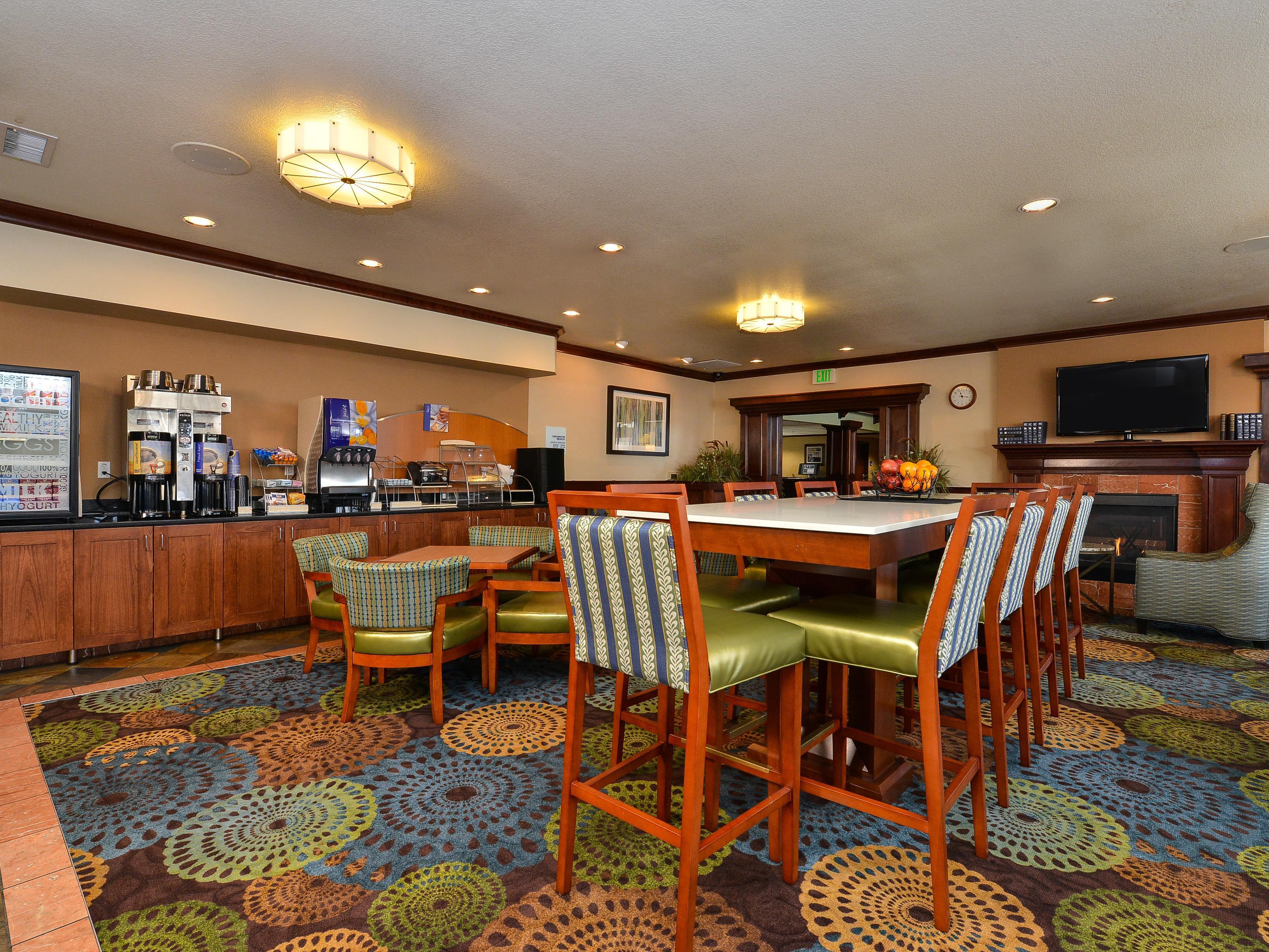 holiday inn express portland se clackamas area. Black Bedroom Furniture Sets. Home Design Ideas