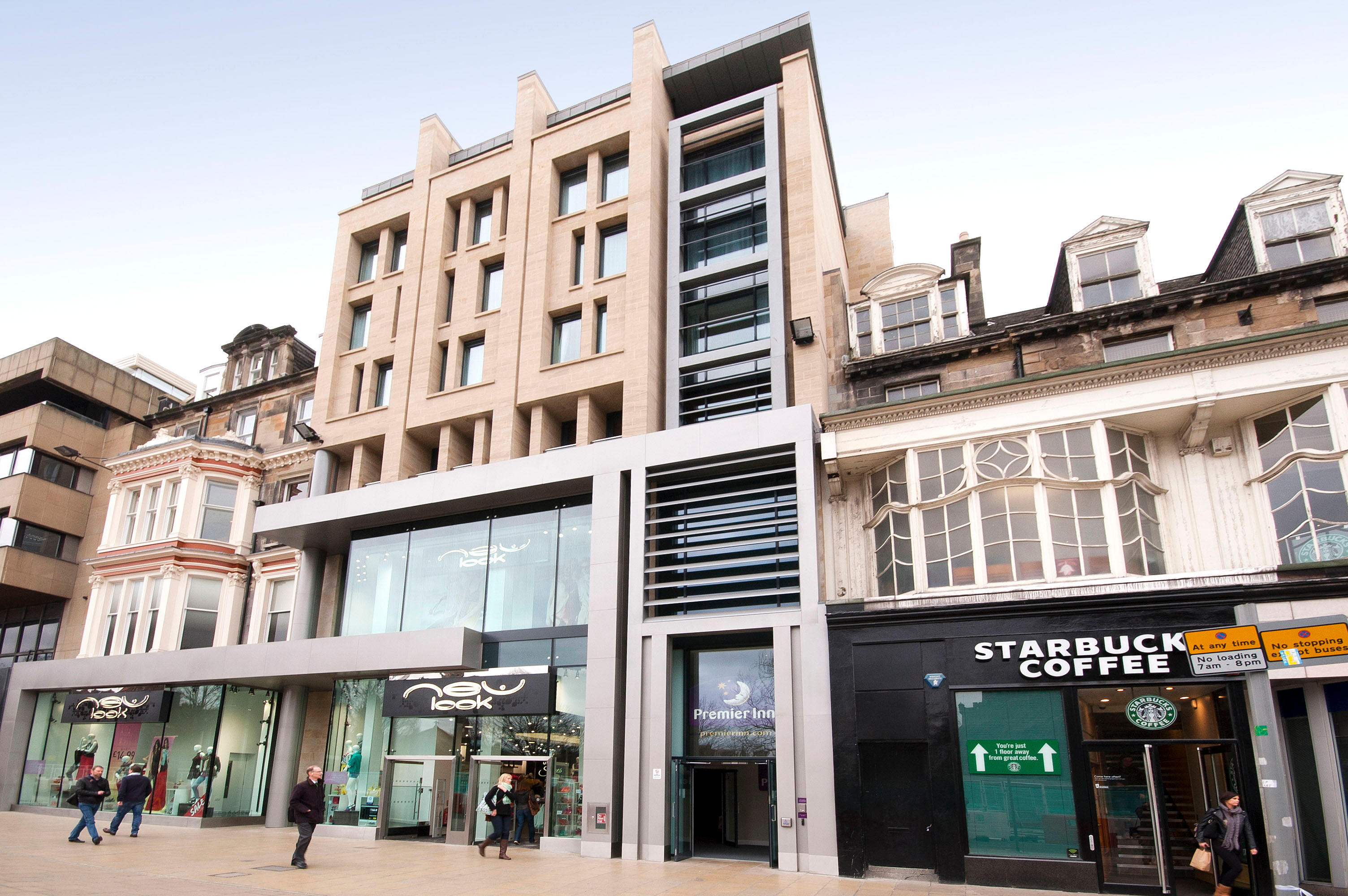 Premier Inn Edinburgh City Centre (Princes Street) hotel