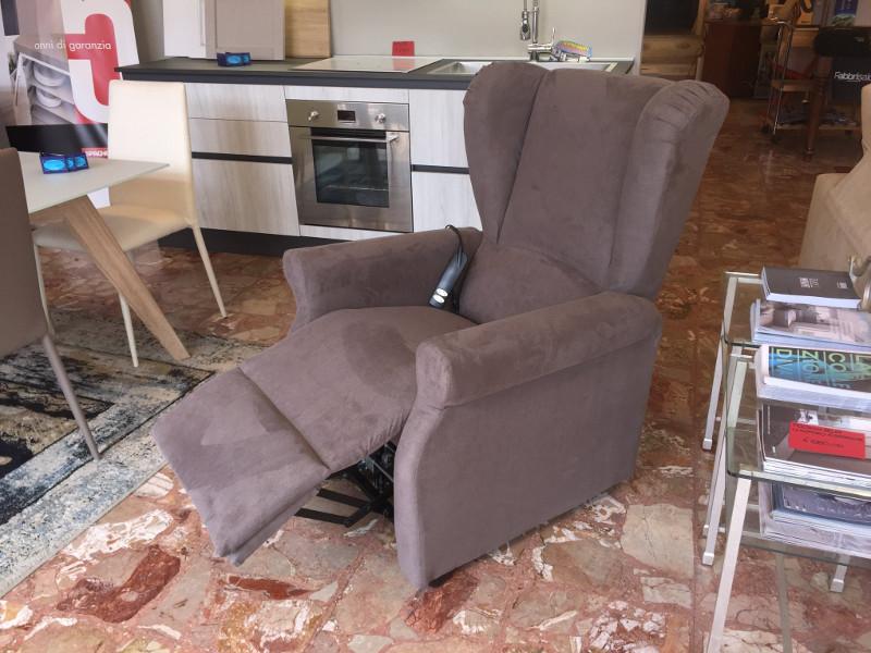 Arredo idea mobili viareggio italia tel 0584389 for Arredo idea