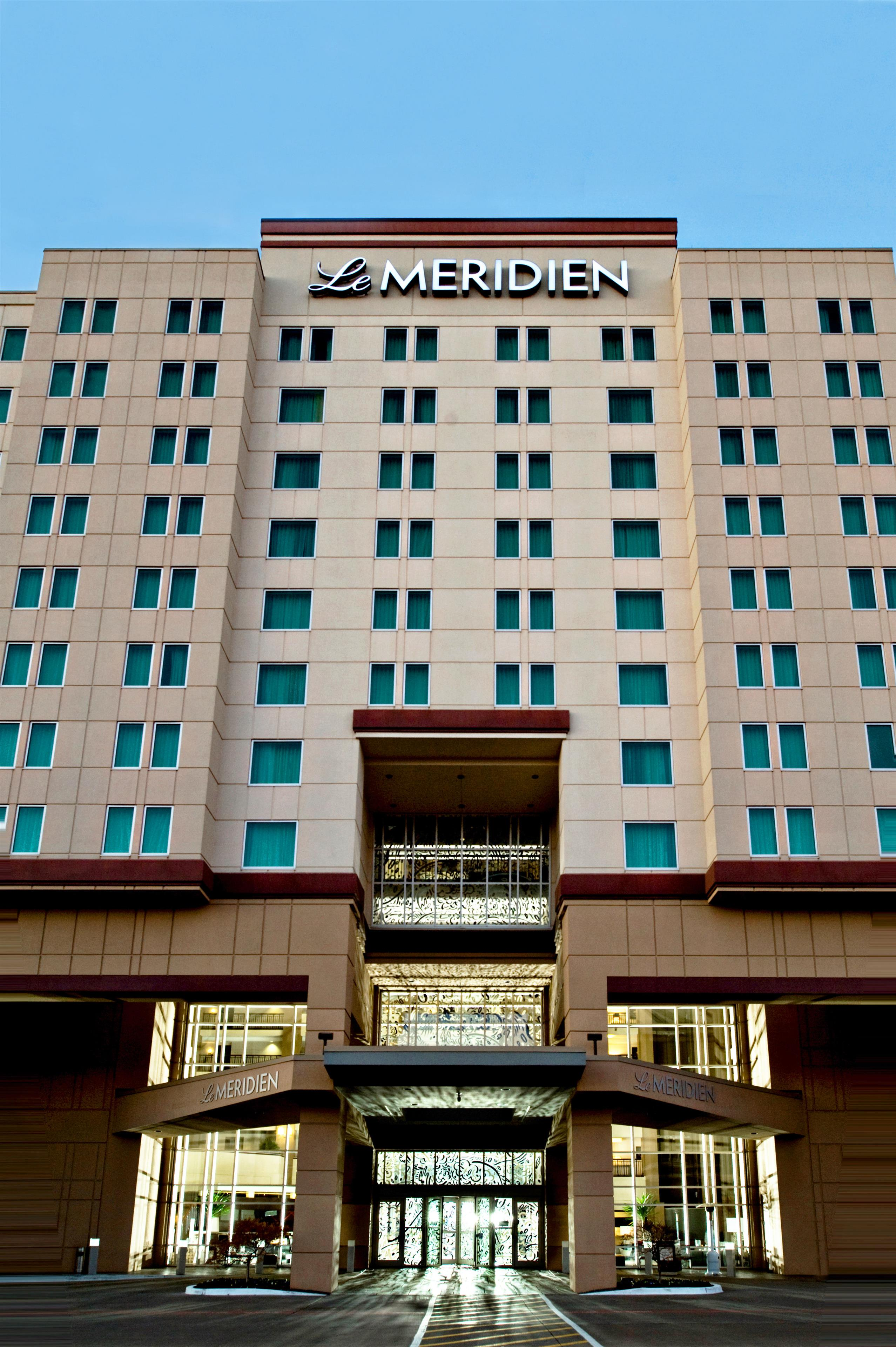 With a contemporary mix of luxury and style, Le Meridien brings that European heritage right to the forefront of your mind. This culturally refined company doesn't just aim to meet your expectations; it is Le Meridien's goal to exceed your expectations and bring a little bit of beauty to your everyday life.