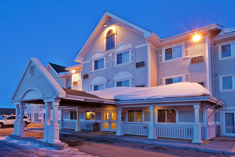 Country Inn & Suites by Radisson, Saskatoon, SK in Saskatoon: Hotel Exterior