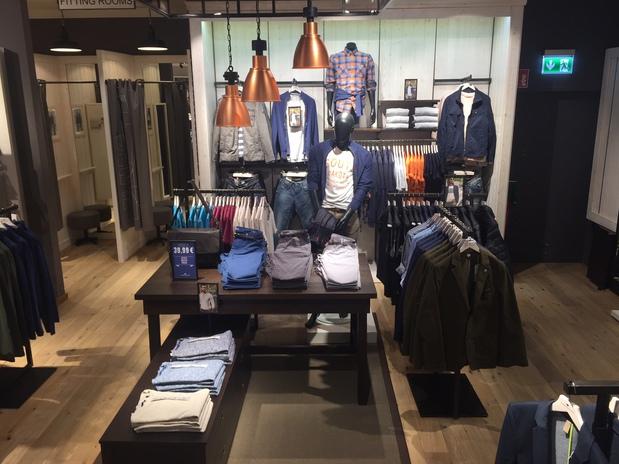 Schönheit guter Service bestbewerteter Beamter ➤ TOM TAILOR Store 76437 Rastatt Öffnungszeiten   Adresse ...