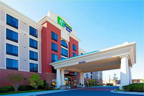 Holiday Inn Express & Suites Washington Dc Northeast image 0