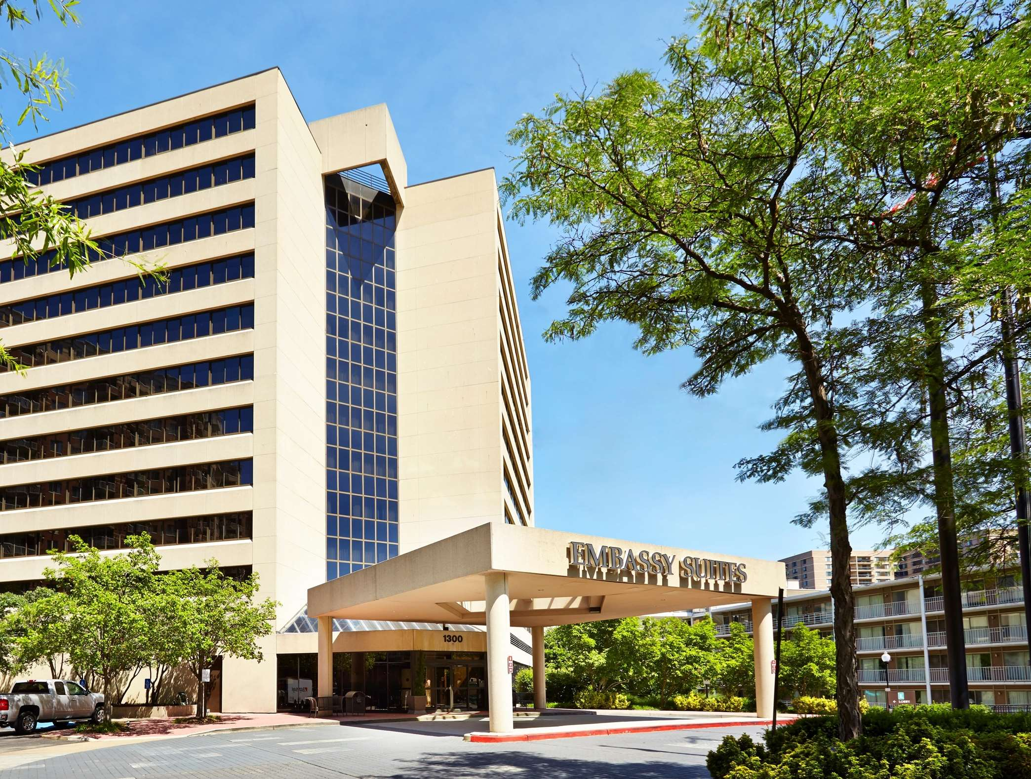 Hilton Hotels Near Crystal City Va
