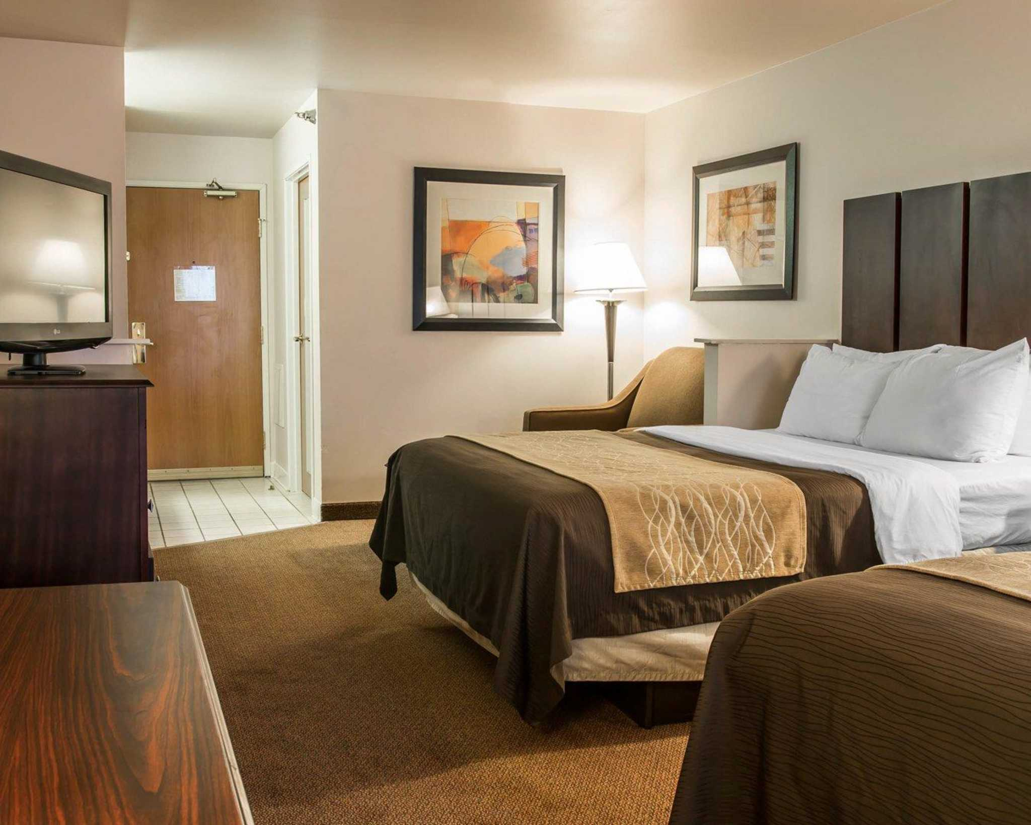 Comfort Inn Amp Suites Coupons Fenton Mi Near Me 8coupons