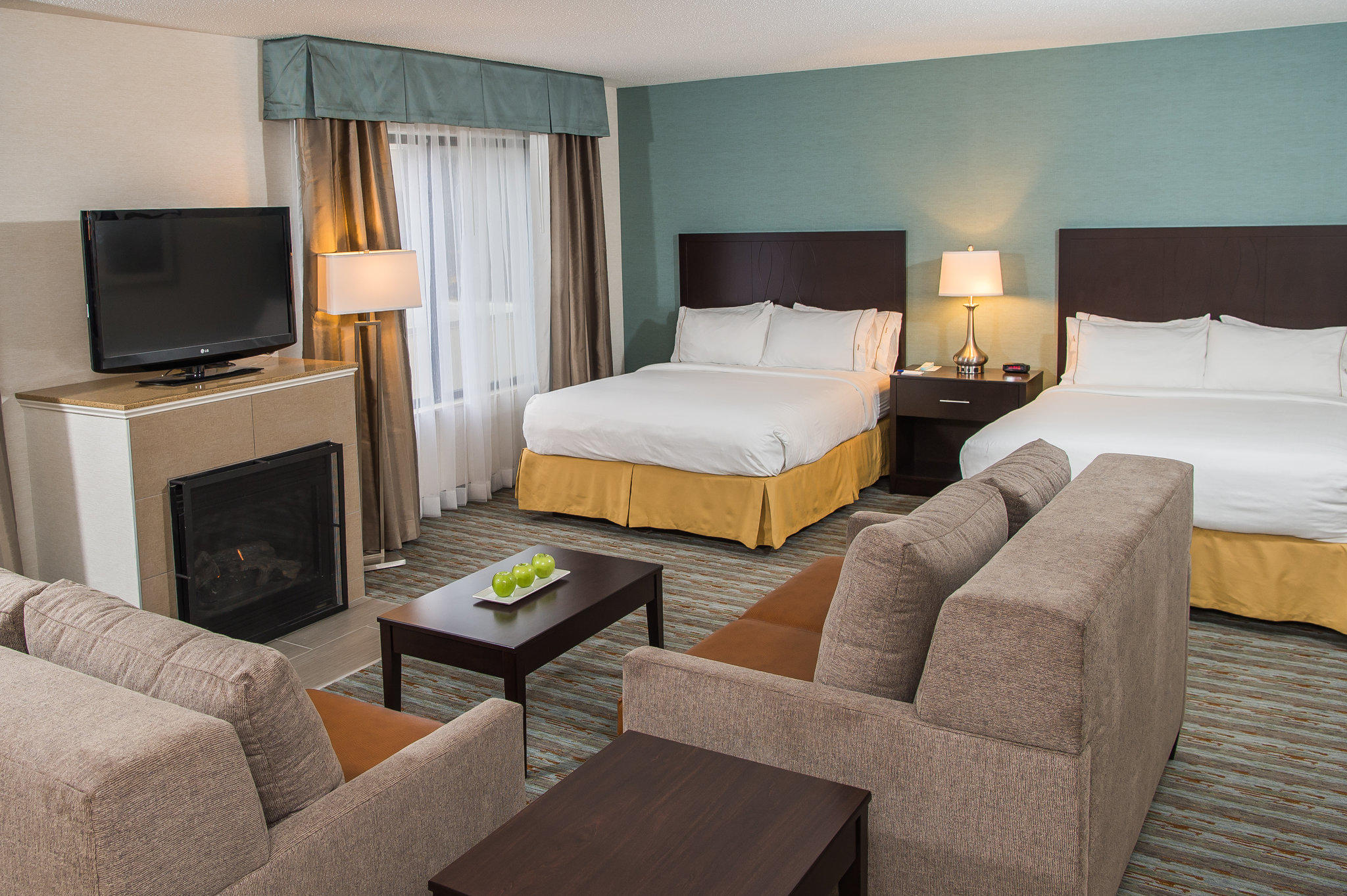 Holiday Inn Express & Suites Erie (Summit Township)