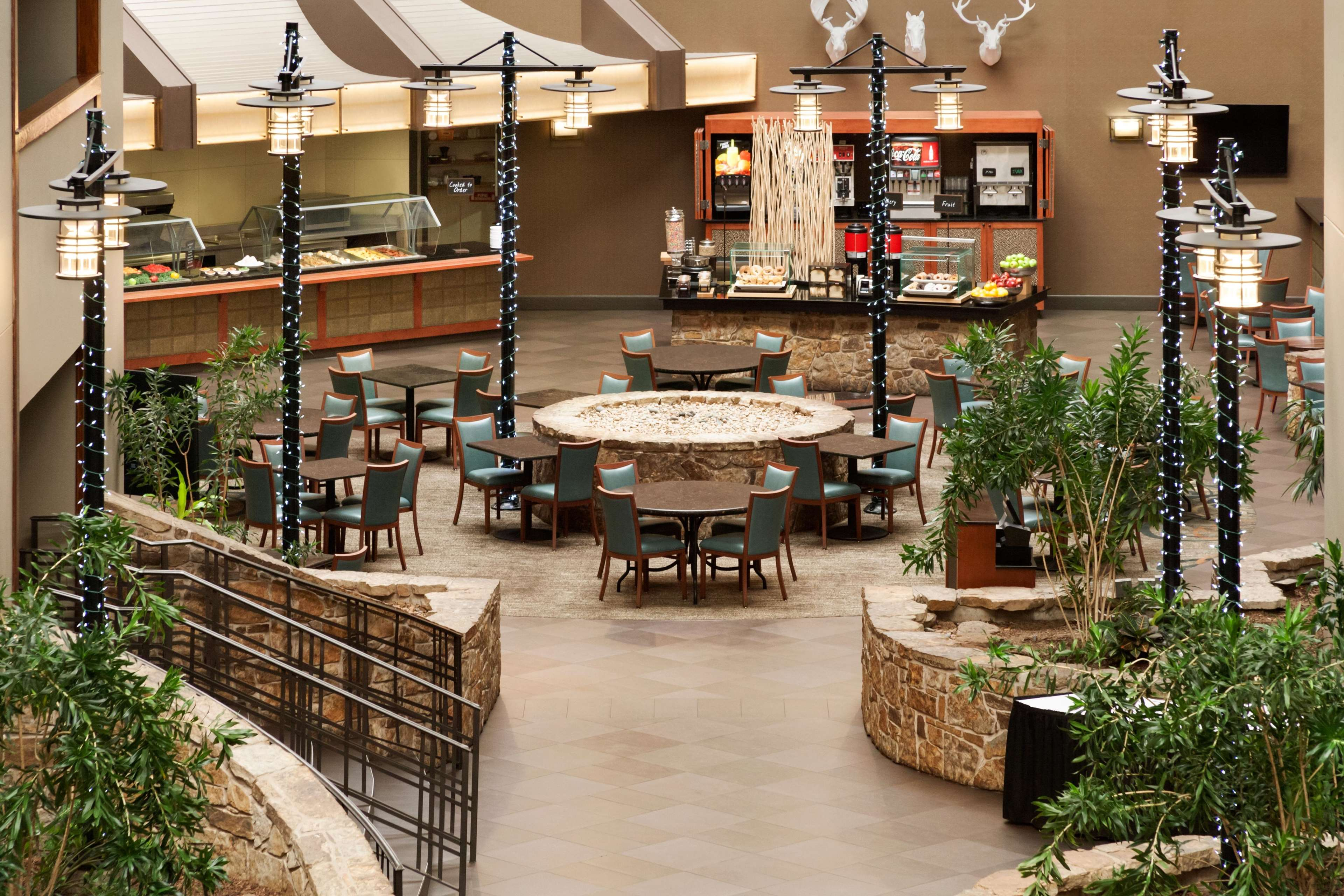 Embassy Suites By Hilton Oklahoma City Will Rogers Airport In Oklahoma City Ok 73108