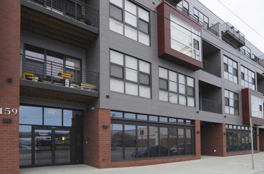 Jackson square apartments milwaukee wisconsin wi for Milwaukee 3 bedroom apartments