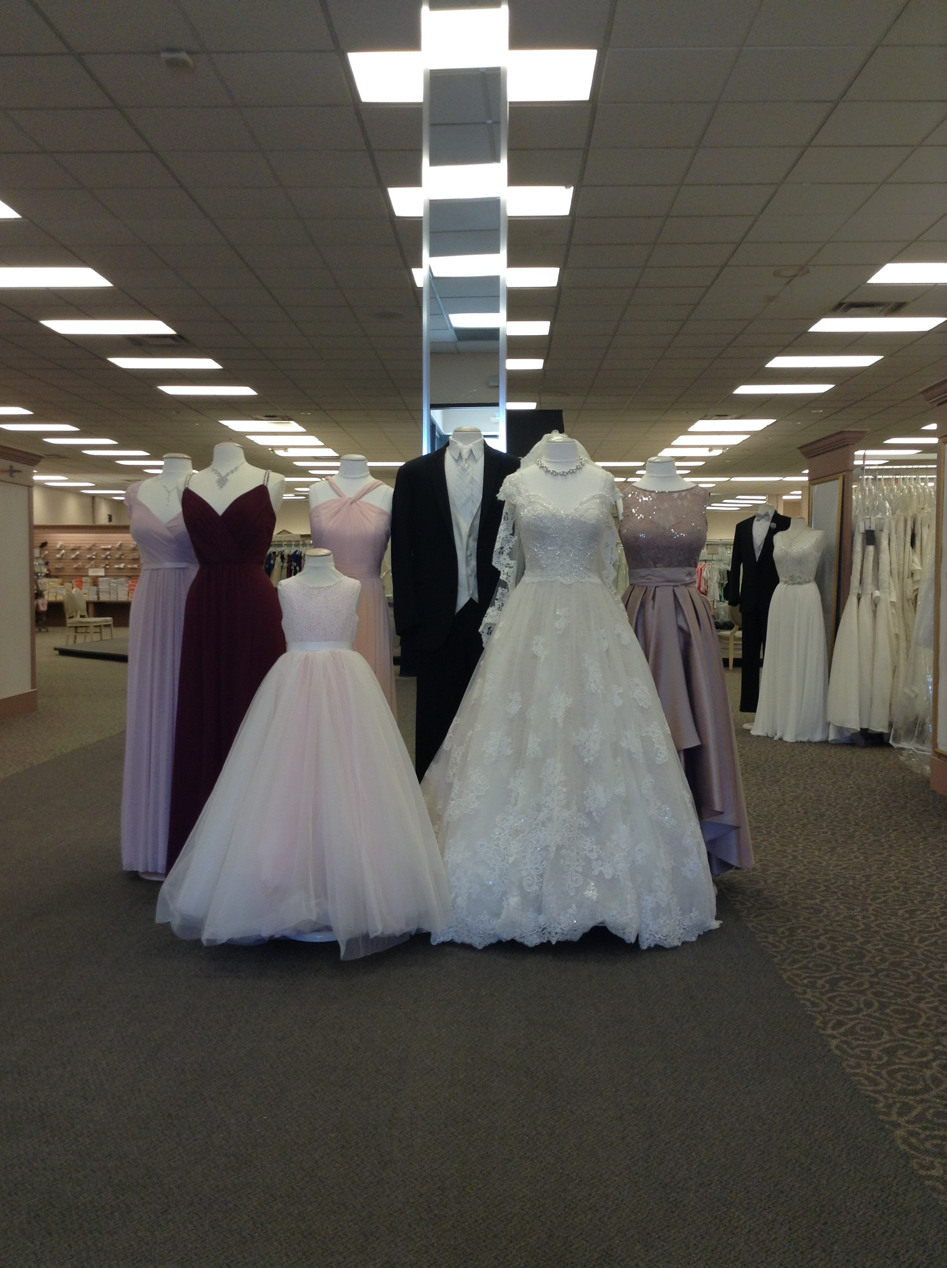 David 39 s bridal in toledo oh 43623 for Wedding dresses toledo ohio