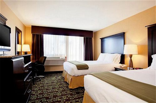 Holiday Inn Express & Suites Woodland Hills - Woodland Hills, CA -