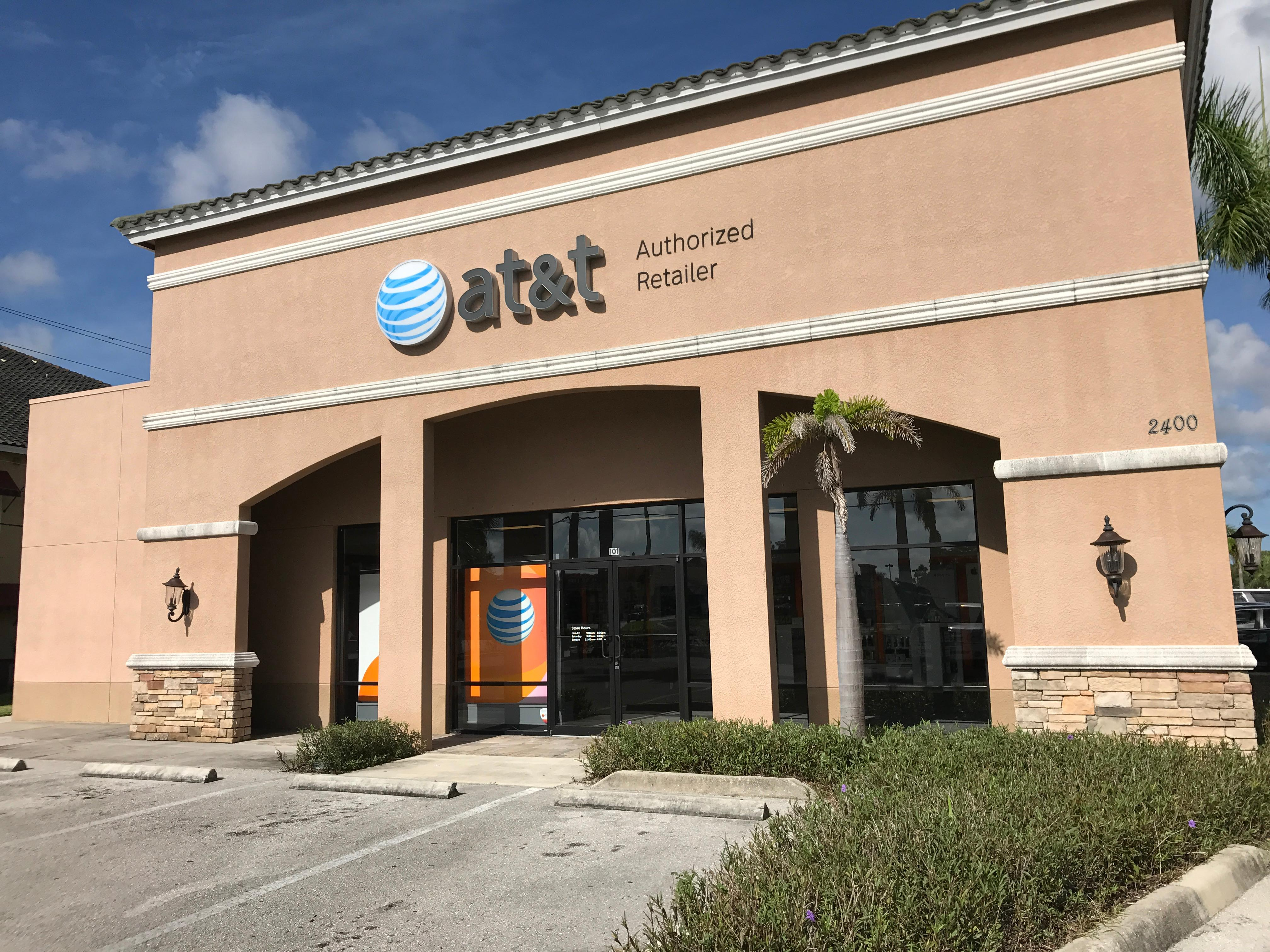 Our AT&T store in Naples, Florida is at Collier Blvd, Suite , at the intersection with Lely Grand Blvd. If you are coming from the South, take Route 41, Tamiami Trail East to Collier Blvd.